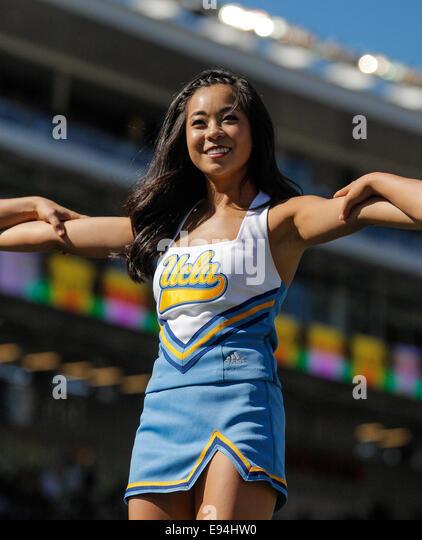 Ucla Cheerleaders Stock Photos & Ucla Cheerleaders Stock Images - Alamy