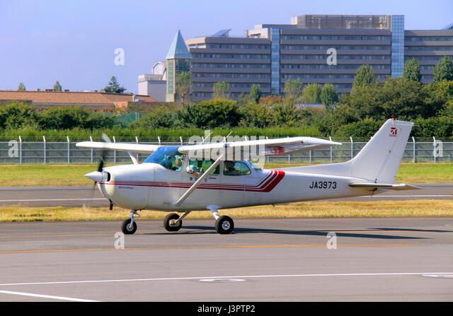 Cessna Skyhawk Stock Photos Cessna Skyhawk Stock Images Page 3