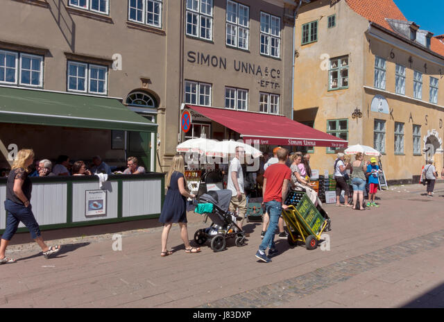 Border trade in Helsingør / Elsinore. Many Swedes buy alcohol, wine and beer and transport the beverages the - Stock Image