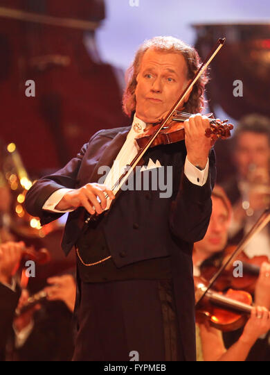 andre rieu stock photos andre rieu stock images alamy. Black Bedroom Furniture Sets. Home Design Ideas