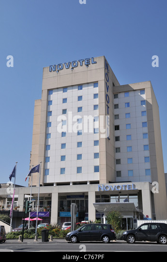 Gironde modern architecture stock photos gironde modern for Hotel moderne bordeaux