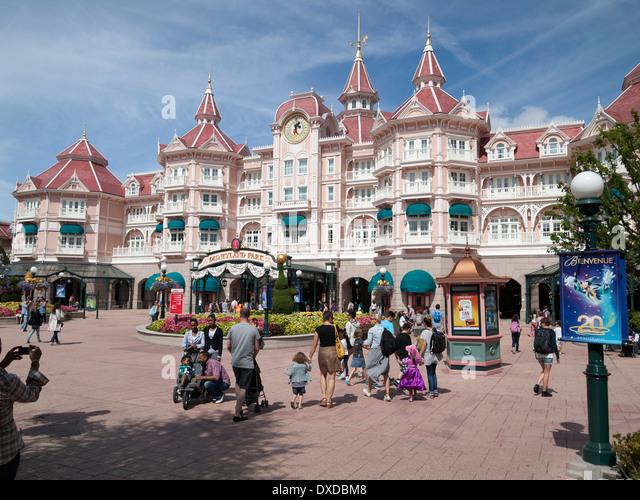 Cheap Hotels Near Disneyland Paris France
