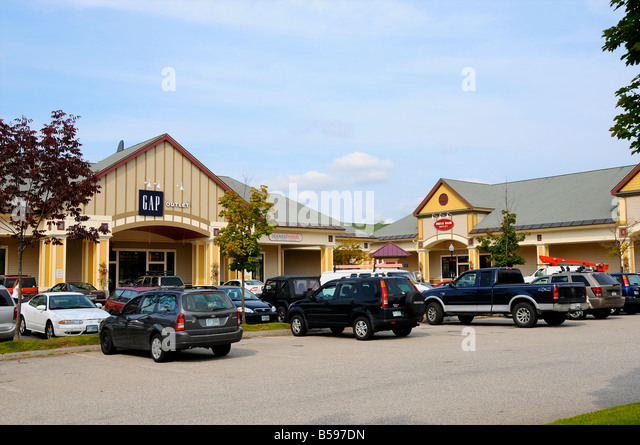 Settlers' Green Outlet Village in the North Conway area, New Hampshire When you search for hotels near Settlers' Green Outlet Village with xajk8note.ml, you need to first check our online map and see the distance you will be from Settlers' Green Outlet Village, New Hampshire.