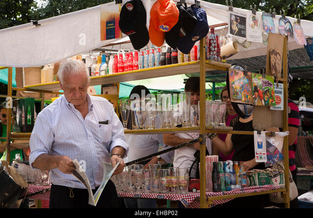 buenos aires dating scene The buenos aires blog thursday,  street scene opposite the casa rosada  buenos aires has also changed the situation with trash,.