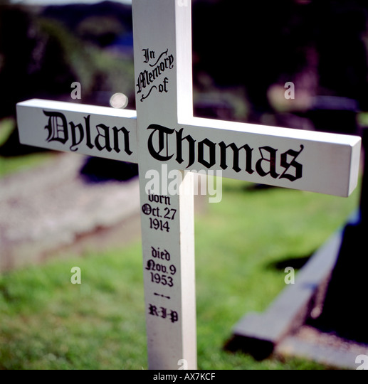 a biography of dylan marlais thomas a writer Biography dylan marlais thomas was a welsh poet and writer who wrote exclusively in english in addition to poetry, he wrote short stories and scripts for film and radio, which he often performed himself.