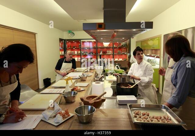 Alain ducasse stock photos alain ducasse stock images - Ecole de cuisine a paris ...