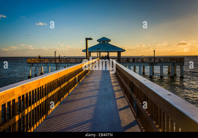 Fort myers beach florida stock photos fort myers beach for Fort myers fishing pier