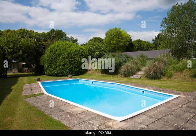 People Outdoor Swimming Pool Uk Stock Photos People Outdoor Swimming Pool Uk Stock Images Alamy