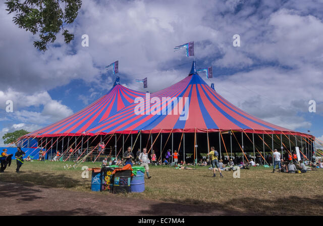 The Acoustic Tent at The Glastonbury Festival in Somerset. - Stock Image & Acoustic Tent Glastonbury Festival In Stock Photos u0026 Acoustic Tent ...