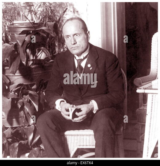 a biography of benito mussolini an italian politician Benito mussolini: benito mussolini, italian prime  biography of benito amilcare andrea mussolini  russian intelligence officer and politician who served as.
