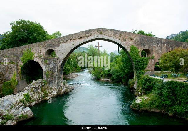 Cangas De Onis Stock Photos & Cangas De Onis Stock Images - Alamy