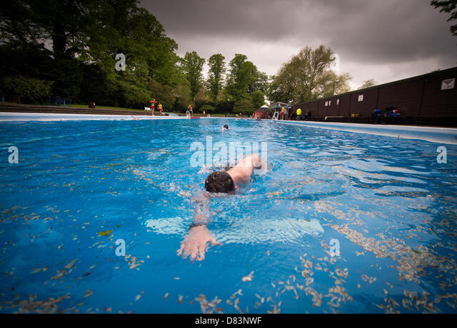 Jesus Green Pool Cambridge Stock Photos Jesus Green Pool