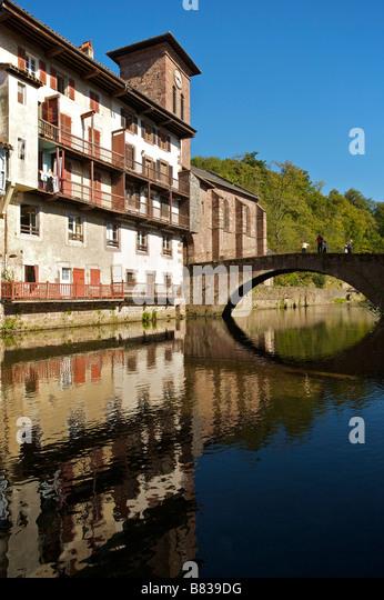 Pied stock photos pied stock images alamy - Hostel st jean pied de port ...