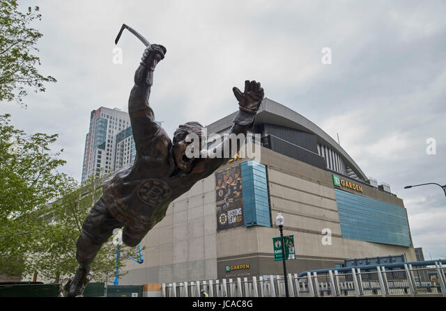 Boston Celtics Stock Photos Images Alamy Bobby Orr Statue Td