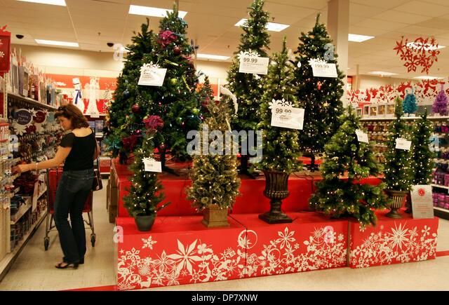 Target Store Display Stock Photos & Target Store Display Stock ...
