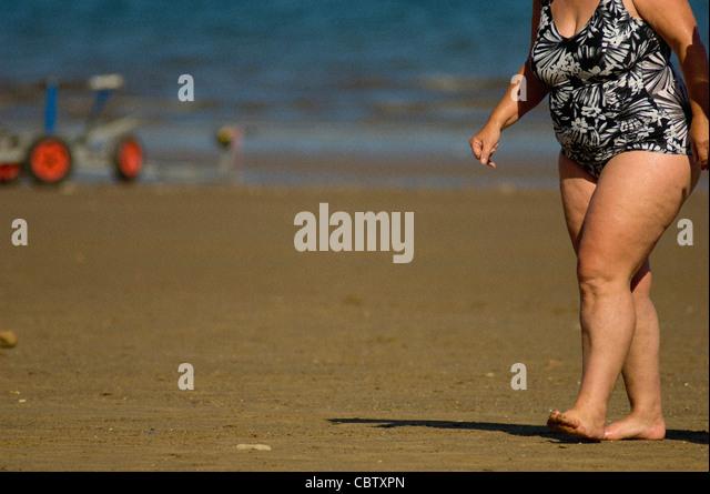 chubby girls pussy at beach