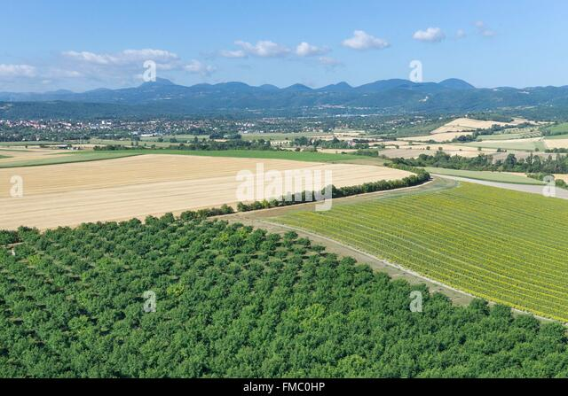 Drone agriculture stock photos drone agriculture stock images alamy - Central jardin saint bonnet pres riom ...