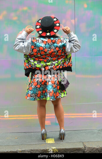 Paris Fashion Week  Schedule Sept Th October Th