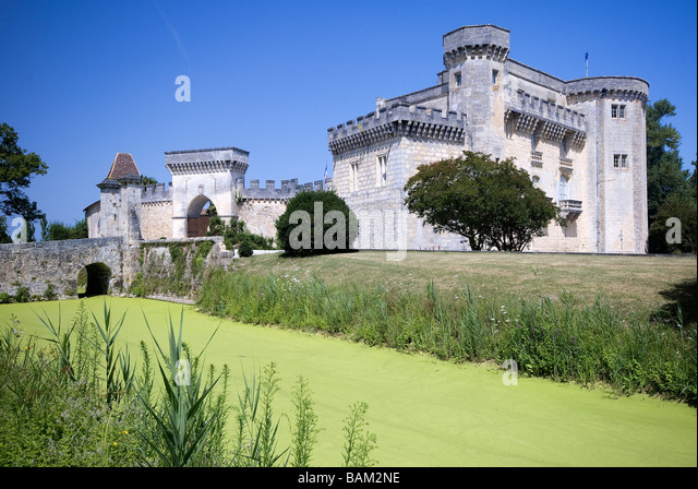 Cru bourgeois stock photos cru bourgeois stock images for Chateau liversan