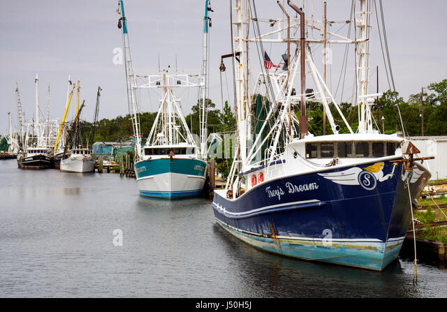 Shrimp boat gulf of mexico stock photos shrimp boat gulf for Commercial fishing boats for sale west coast