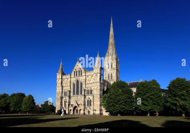 Salisbury cathedral exterior