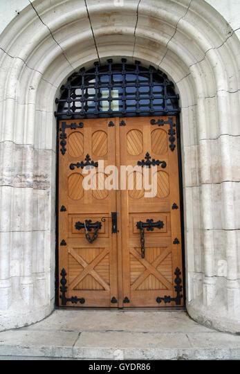 Old massive wooden doors. Old castle wooden doors. - Stock Image & Massive Doors Stock Photos u0026 Massive Doors Stock Images - Alamy pezcame.com