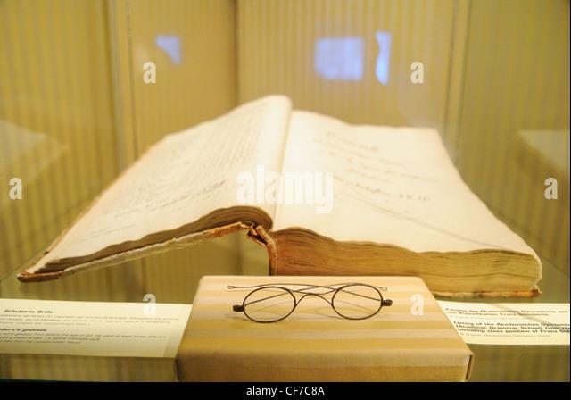 schubert winterreise essays Washington, dc : library of congress magnetic recording laboratory,  schubert, franz  program notes with essays by daniel jaffé and rebecca franks.
