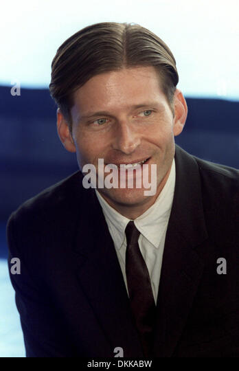 http://l7.alamy.com/zooms/411a302c45364bd3828bd6938626fdcd/crispin-gloveractordeauville-france05092001bl97b25-dkkabw.jpg