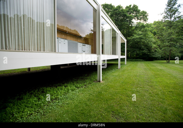 rohe farnsworth house stock photos rohe farnsworth house. Black Bedroom Furniture Sets. Home Design Ideas