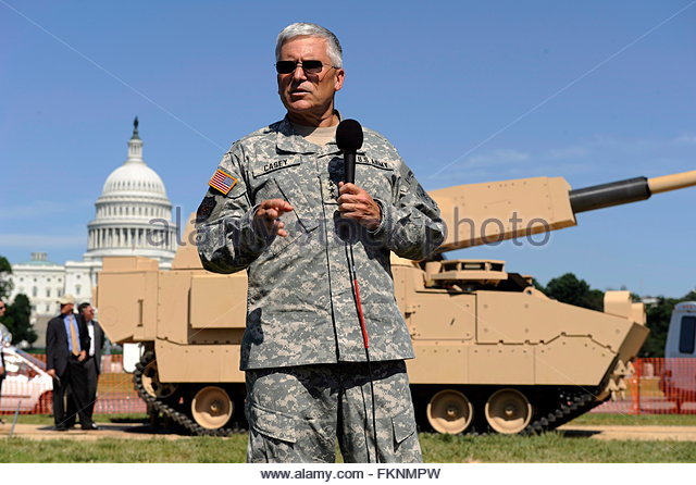 us-army-chief-of-staff-general-george-casey-takes-questions-from-the-fknmpw.jpg