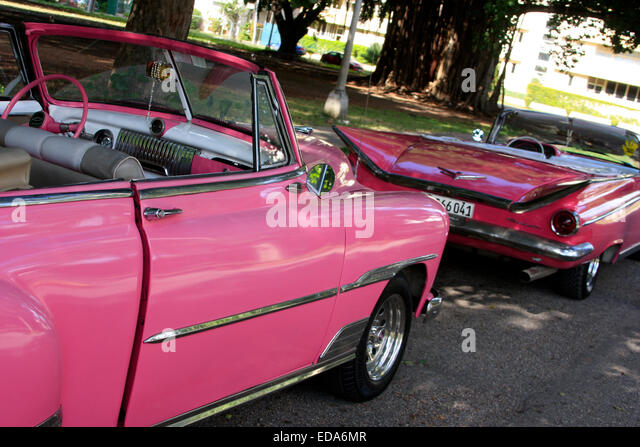 Pink taxis stock photos pink taxis stock images alamy for Classic american convertibles