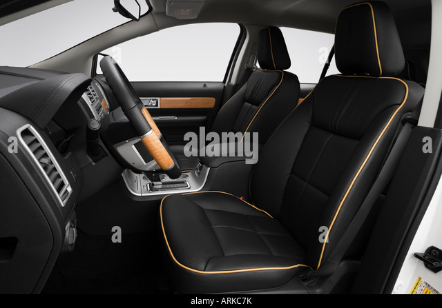2008 lincoln mkx in white stock photos 2008 lincoln mkx. Black Bedroom Furniture Sets. Home Design Ideas