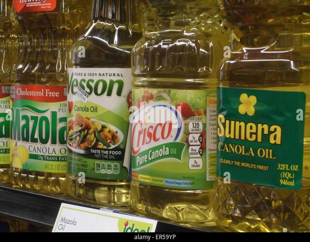 Oil On Supermarket Shelf Stock Photos Oil On Supermarket