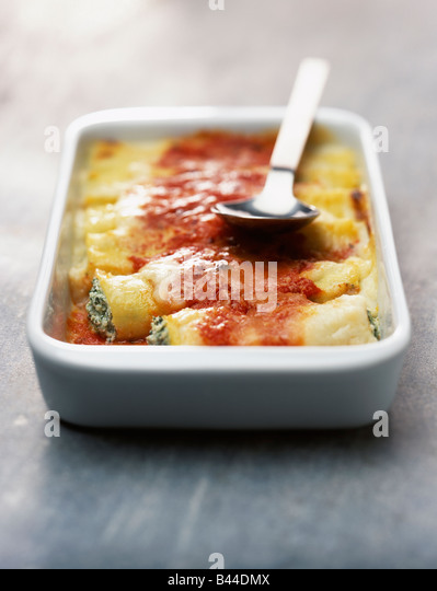 Cannelloni With Tomato Sauce Stock Photos & Cannelloni With Tomato ...