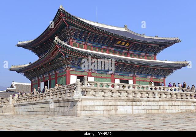 South Korean Architecture Foliage Stock Photos Images Alamy