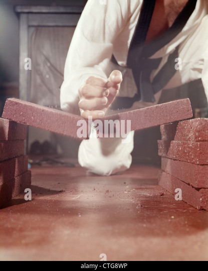 Karate Chop Stock Photos & Karate Chop Stock Images - Alamy