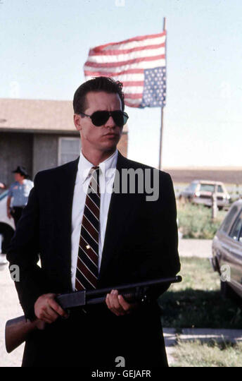 thunderheart fbi agent raymon levoi The washington redskin of thunderheart, as he is derisively called by the film's american indian characters, is an fbi agent who is sent from washington to an oglala sioux reservation to .