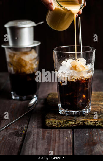 how to make vietnamese iced coffee with condensed milk