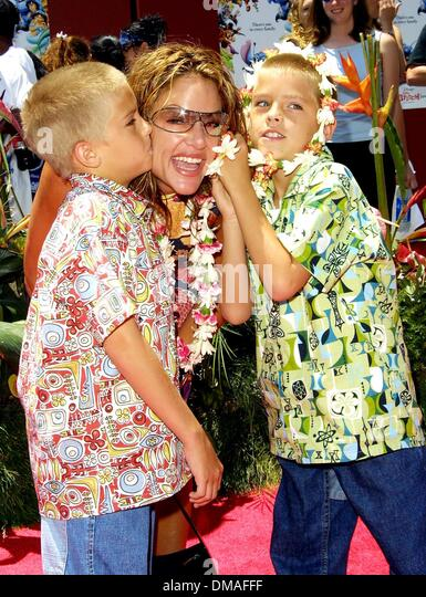 Dylan And Cole Sprouse 2002