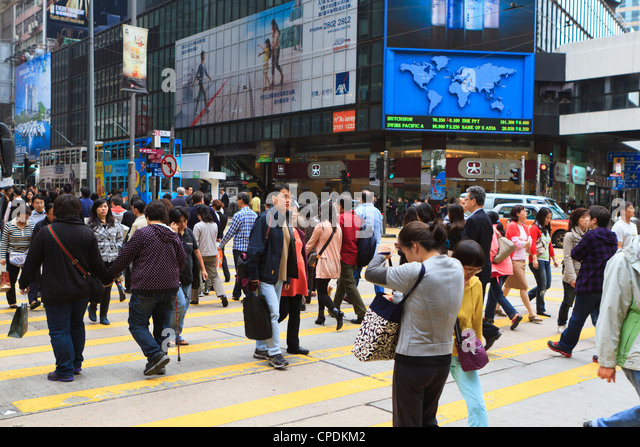 Crossing Busy Road Stock Photos & Crossing Busy Road Stock ...