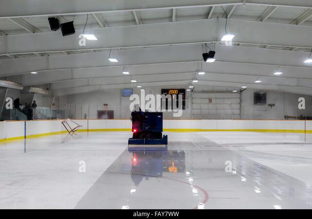Ice hockey zamboni stock photos ice hockey zamboni stock for Floor zamboni machine