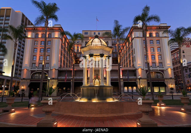 Broadway Fountain and U.S. Grant Hotel, Gaslamp Quarter, San Diego, California, United States of America, North - Stock Image