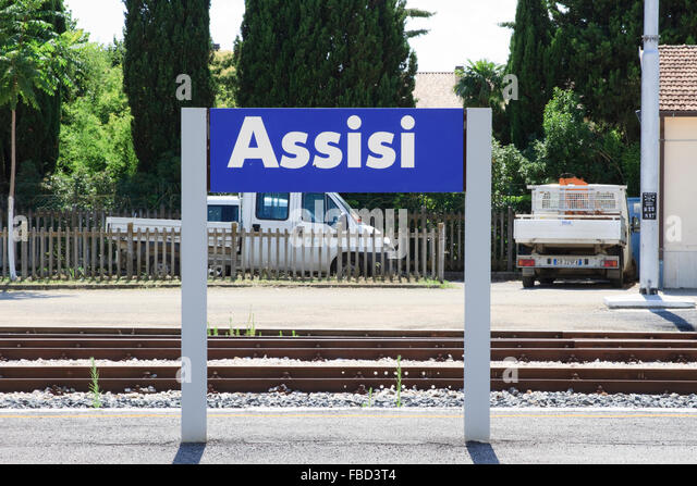 how to get to assisi from train station