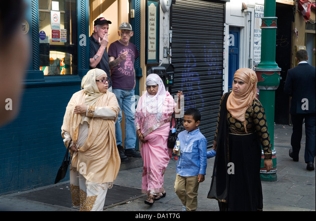 muslim single women in brick 2548 single room pg in new delhi for males & females - find pg  accommodation in new delhi with food for ladies & working women and boys pg  in new delhi.