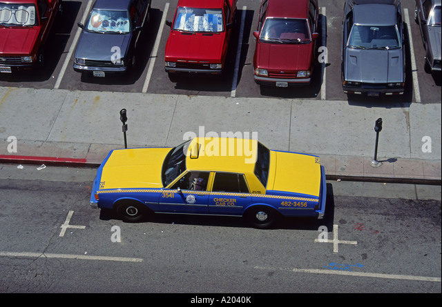 a-taxi-in-los-angeles-usa-north-america-