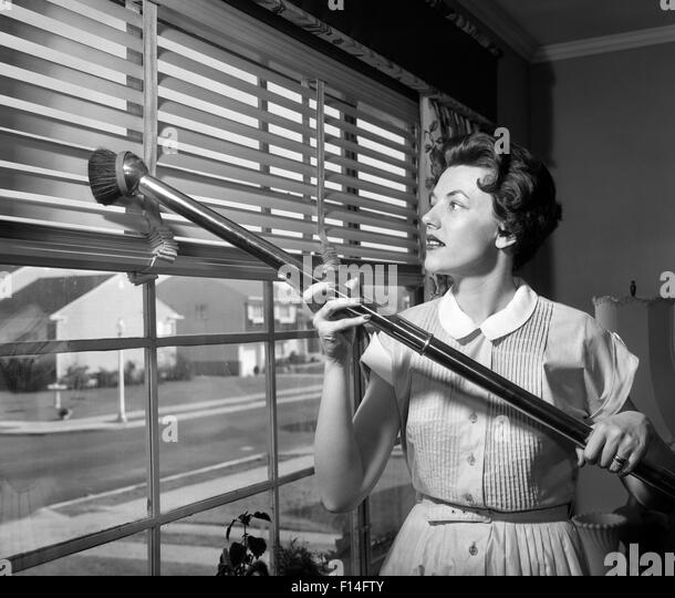 how to clean old metal venetian blinds