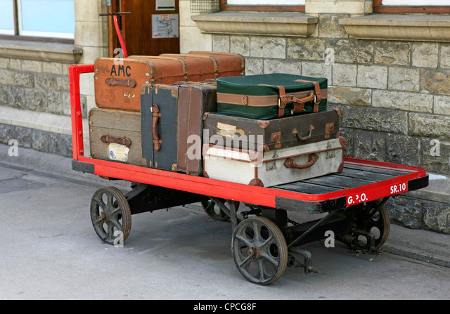 Suitcase Cart Stock Photos & Suitcase Cart Stock Images - Alamy