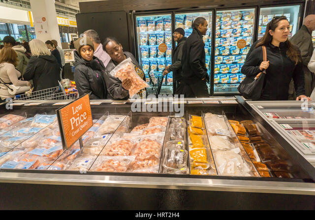 Fish department supermarket stock photos fish department for Fish market newark nj