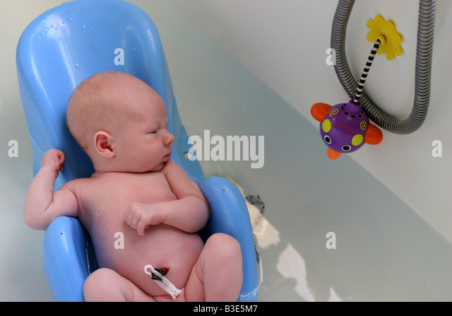 Baby Bath Seat Stock Photos & Baby Bath Seat Stock Images - Alamy