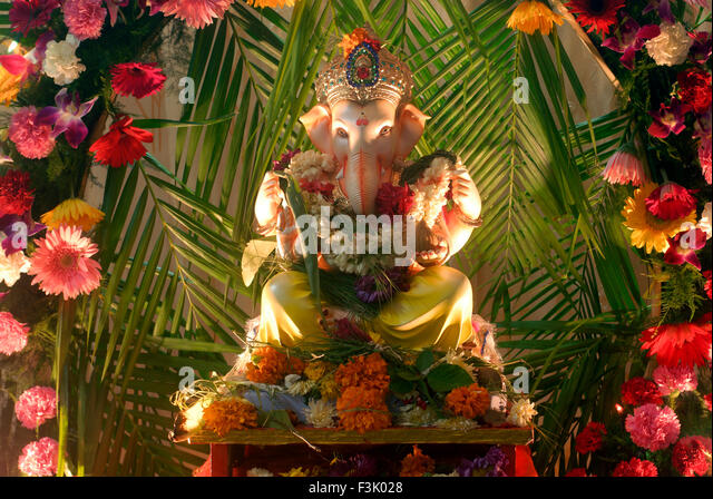 Ganapati festival mumbai stock photos ganapati festival for Artificial flower decoration for ganpati